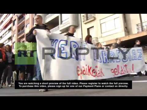 Spain: Activists rally against arrest of Basque youths