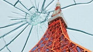 東京タワーで、2つの展望台を結ぶエレベーターの窓ガラスが割れ、乗っ...