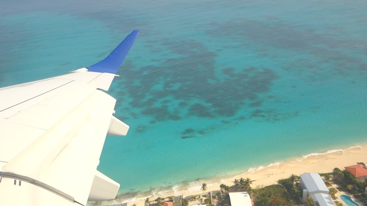 Take off from St Martin Airport with JetBlue - YouTube