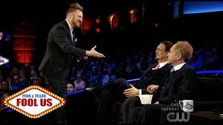 "Penn & Teller Fool Us // John Michael Hinton ""completely blows away"" with a Rubiks Cube"