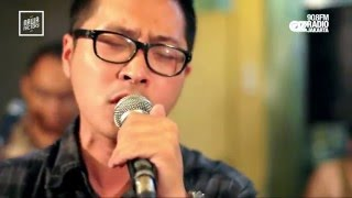 Video LIVE N LOUD : KERISPATIH - MENYERAH DI HADAPAN CINTA download MP3, 3GP, MP4, WEBM, AVI, FLV Desember 2017