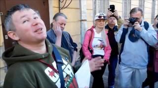 29. 06. 2017 г. Динар Идрисов на свободе - интервью у тюремной двери