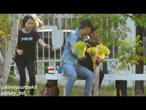 PELUK COWO DI TAMAN / PRANK GAY HOMO !!!