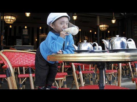 بالفيديو: وفاة أقصر رجل في العالم  - نشر قبل 2 ساعة