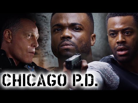 Atwater Chases Down His Key Suspect | Chicago P.D.