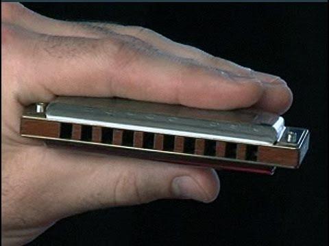 Cómo tocar bien la armónica