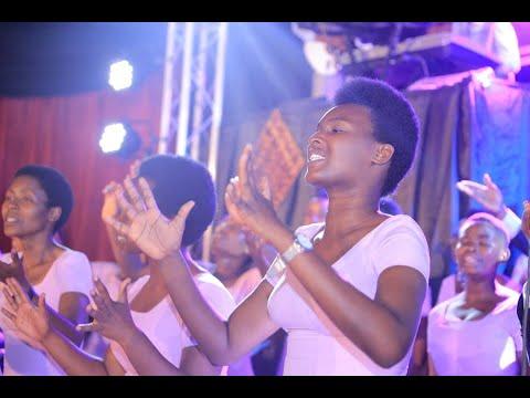 Mfite Umwenda By La Source Choir (ADEPR Mbugangali-Gisenyi) Official Video Lyrics
