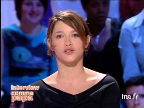 Interview comme papa d'Emma De Caunes - Archive INA thumbnail