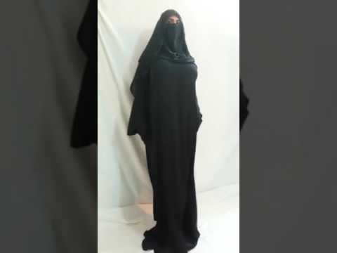 Arab girl booty dance