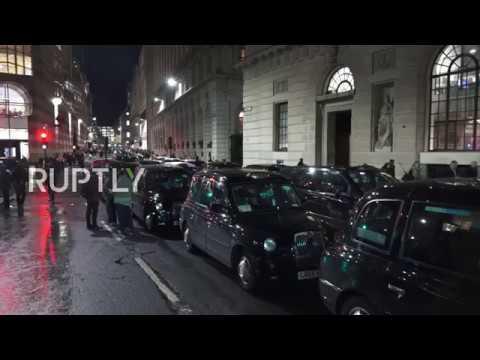 UK: Black cab drivers bring London to a standstill