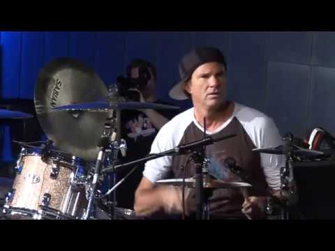 The Red Hot Chili Peppers live in Australia Jamming April 2007.