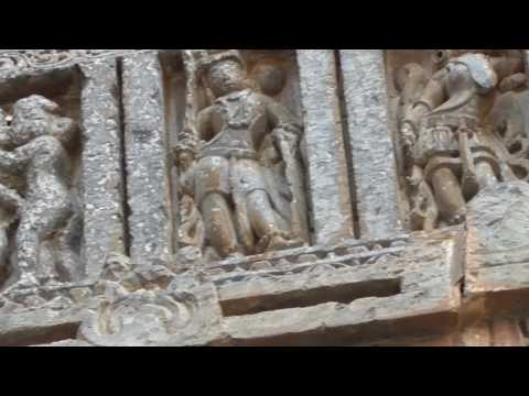 Learn About the 11th Century Sculptures at Halebid Temple in India
