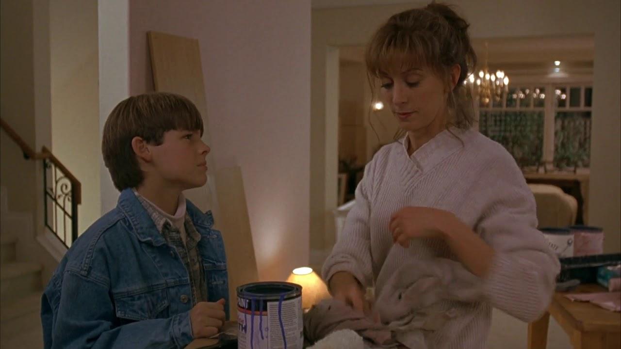 Wendy Makkena in Air Bud (1997)- 1080p