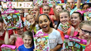WORLDEEZ TOY HUNT! Surprise Blind Bags Opening - Kids Toys Review   Toys AndMe