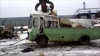Утилизируем ПАЗИК стальной плитой весом  3 тонны!