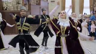 Интересный и очень красивый Танец Лезгинки Ансабль Дагестан
