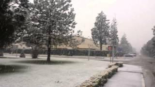 Kar  YaĞarken  ŞİmŞek  Çakti...