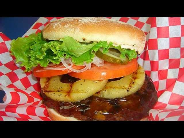 Teddy's Bigger Burgers - Lahaina Maui Hawaii