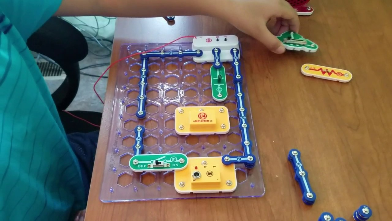 How To Build A Snap Circuits Fm Radio Youtube Electric Electronic Projects