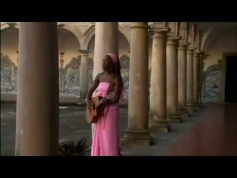 India ArieIndia's Songavi BahiaBrasil