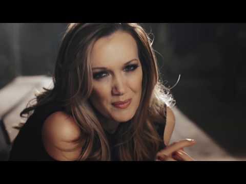 Juanita du Plessis – Toe staan die wêreld stil (OFFICIAL MUSIC VIDEO)