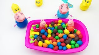 Bathing Peppa Pig in the Bathroom of Candy Peppa Pig Family Video For Children Songs For Kids