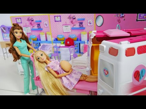 Princesses Dolls 2 Sister Morning Routine & AmbulancePrinzessin Puppe 2 Schwester Morgen Routine