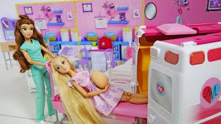 Princesses Dolls 2 Sister Morning Routine & AmbulancePrinzes...