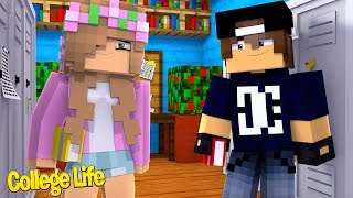 LITTLE KELLY MEETS JACK!   Minecraft College Life