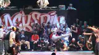 Battle for 1st place BOTY 2002 Final Expression vs Vagabonds.avi