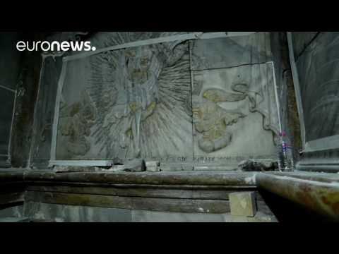 """Σήκωσαν μετά από αιώνες την """"ταφική πλάκα του Ιησού"""": Τι βρέθηκε από κάτω"""