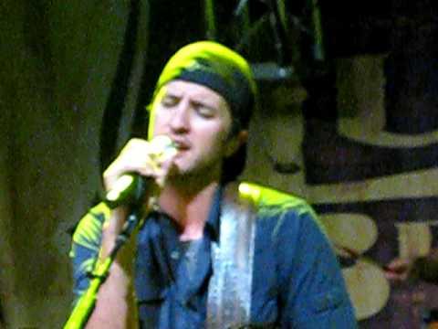 Luke Bryan - Do I - live from fan club party 2009