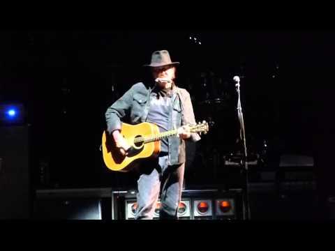 "Neil Young ""Helpless"" Rogers Arena, Van. BC Oct. 2015"