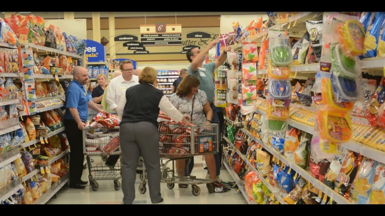 Kroger says it's not giving away free groceries for Christmas -- those ...
