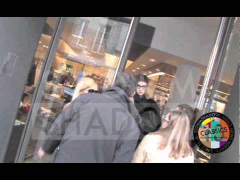 Kate Moss goes shopping at Colette in Paris