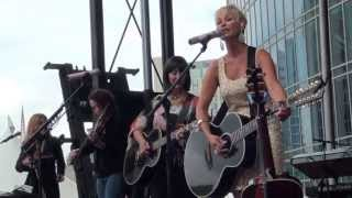Lorrie Morgan & Pam Tillis - Candy Kisses/ Burning Memories