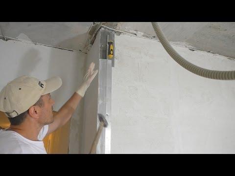 Формирование внешнего угла при штукатурке стен гипсовым составом Работа с рейками!