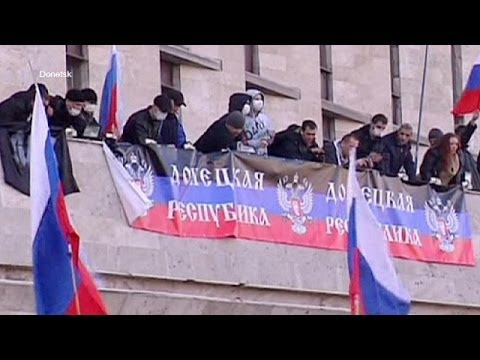 Ukraine: Pro-Russian protesters storm buildings in cities close to Russia border