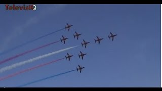 Amazing Airshow by Red Arrows (Royal Air Force) in Doha Qatar Nov 7 2013
