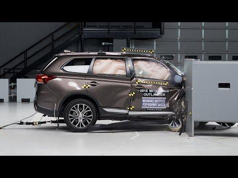 2018 Mitsubishi Outlander Passenger-side Small Overlap IIHS Crash Test