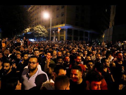 آلاف المتظاهرين الغاضبين في شوارع لبنان على خلفية أزمة اقتصادية عميقة  - 10:55-2019 / 10 / 18