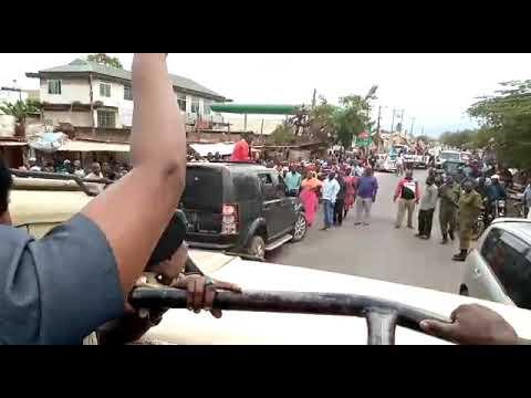 Download TAZAMA UNYAMA WA ASKARI KUPIGA MABOMU MSAFARA WA MGOMBEA MWENZA