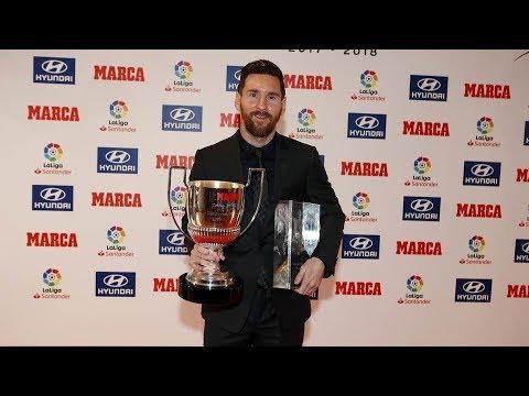 Лео Месси получает Трофей Пичичи за сезон 2017-18 и приз Лучший Игрок Года