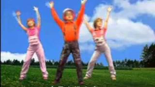 アゴ勇さんが女性&子供たちと踊っています!