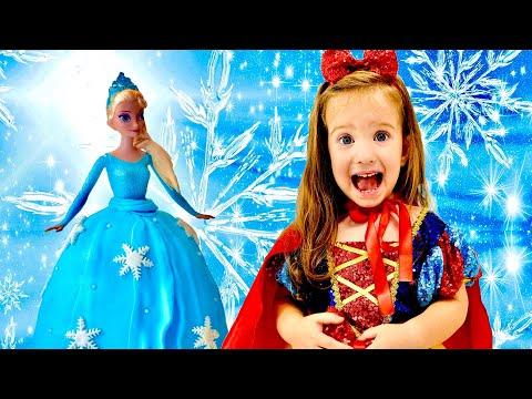 Мелиса играет в салон красоты для принцесс и хочет стать Эльзой