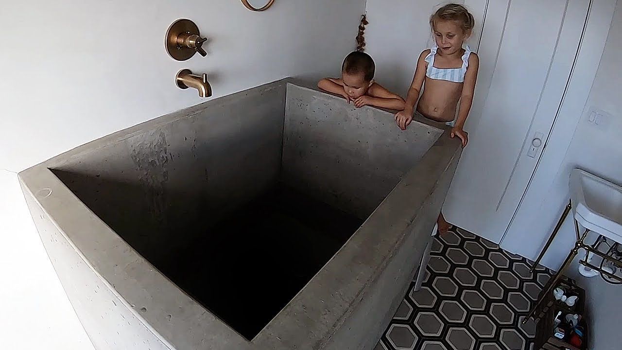 Download THE DEEPEST BATH TUB IN THE WORLD!