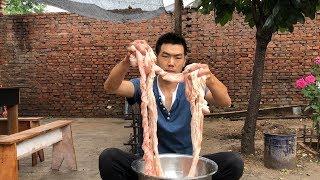【食味阿远】59块钱买了4斤猪大肠,阿远做的水煮肥肠,老爸大伯都说没吃够 | Shi Wei A Yuan