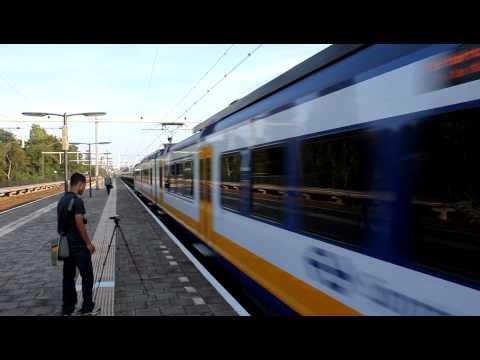 SGMm En CNL Passeren Eindhoven Beukenlaan