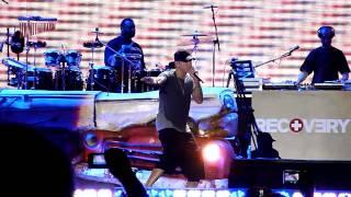 Jay Z ft. Eminem - Renegade (Comerica Park 9-2-10)  LIVE!!