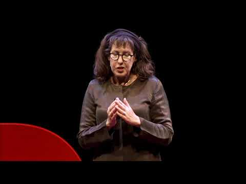 Travel Photography: Do it Alone, but Not by Yourself | Susan Seubert | TEDxEHC